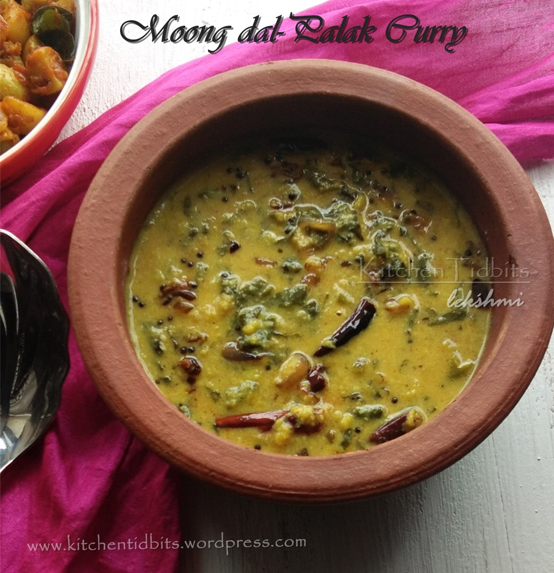Moong dal-Palak Curry/ Cherupayar Parippu Palak curry -kerala style